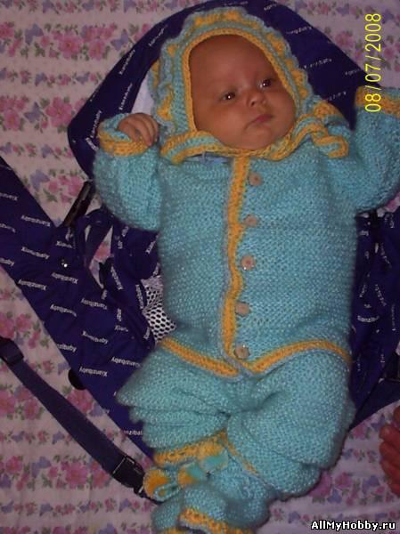 Вяжем костюмчик для малыша