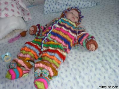 детский комбинезон, вязаный спицами